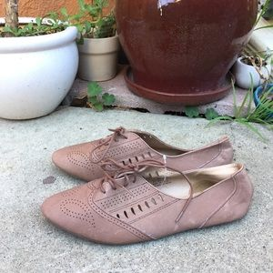 Urban Outfitters lace up oxfords